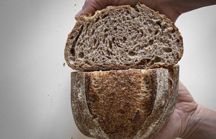 Pane 100% integrale con lievito madre